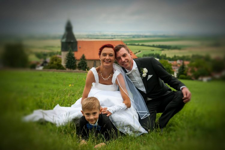 Hochzeit Brautpaar Familie